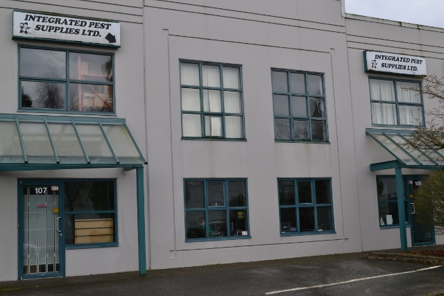 Warehouse (640×427)