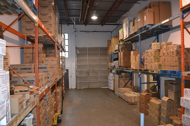 Warehouse B (640×427)